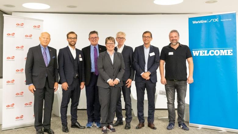 Heinz Felsner (Präsident HKSÖL), Tobias Trütsch (Universität St. Gallen), Urs Weber (Generalsekretär HKSÖL), Marianne Wildi (Hypothekarbank Lenzburg), Johannes Höhener (e-forsight, Swisscom), Roger Niederer (Worldline SIX Payment Services), Daniel Gradenegger (annanow)