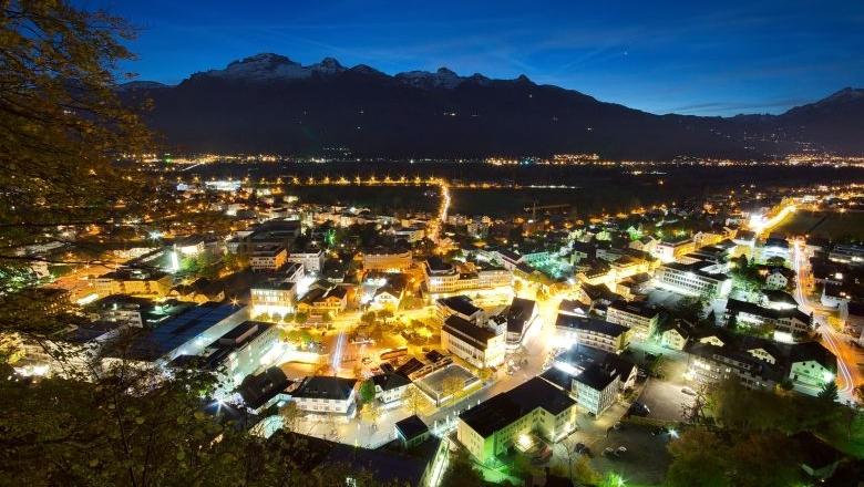 Liechtenstein bei Nacht, c iStock by Getty/anderm