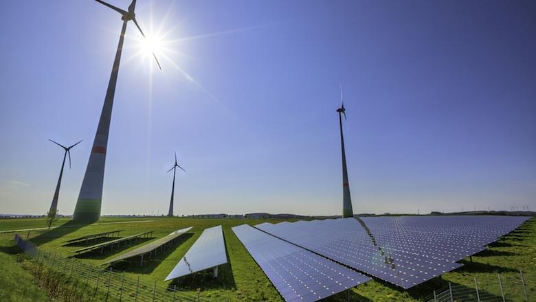 Foto von Windkraftwerk