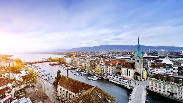 Zürich aus der Luft betrachtet © iStock by getty/zorazhuang