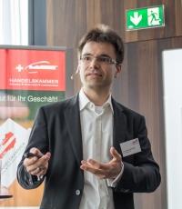 Dr. Johannes Schweifer
